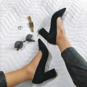 WORN ONCE MARC FISHER CAITLIN PUMPS